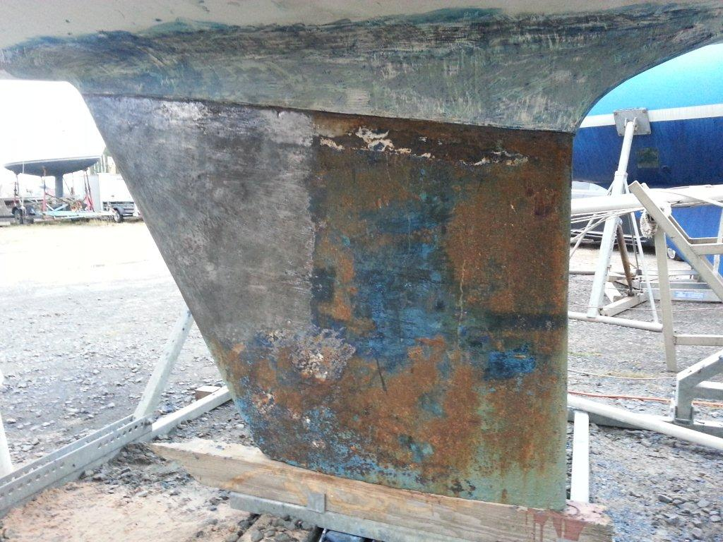 Removing multiple layers of antifoul